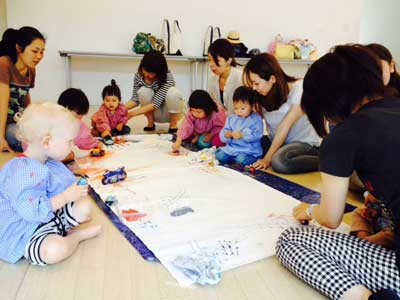 baby and mommy art class